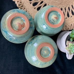 Vintage Accents - 🌵 Set of 3 Vintage Glazed Painted Pottery Bowls